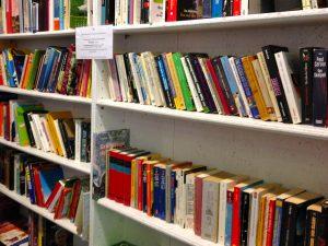 Öffentlicher Bücherschrank in Köln-Sülz Foto: Steffi Kroll